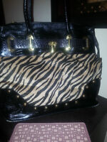 SPRING MOVING SALE!!!!!!!!!!! MUST GO MANY PURSES 40$ EACH