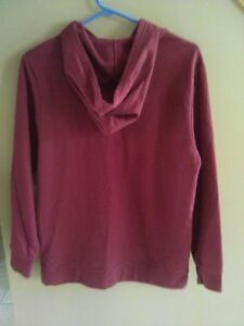 Boy's Old Navy burgundy hoodie sweater Size 14 XL New with tags London Ontario image 4