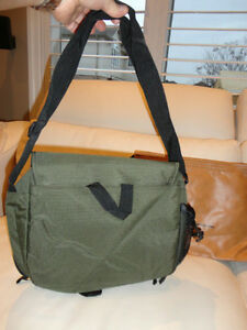 3 Laptop Bags For sale -Choose any or all of them -Prices Below Kitchener / Waterloo Kitchener Area image 4