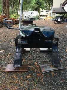 Reese 20k Fifth Wheel Hitch