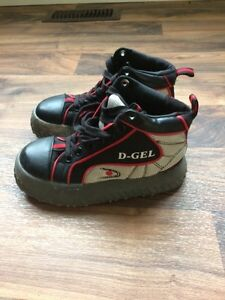 D-Gel Broomball Shoes