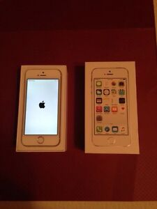Apple iPhone 5s 16gb - Silver *MINT*