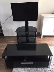 LG tv 32ich with glass stand