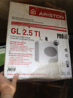 Ariston 2.5 gallon hot water tank