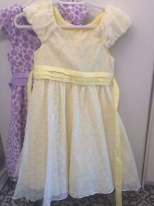Size 7 dresses Campbell River Comox Valley Area image 1