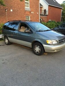 TOYOTA SIENNA LE 1998 FOR SALE MUST GO!!!
