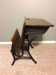 Antique school desk  Kitchener / Waterloo Kitchener Area image 4