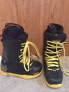 Men's Snowboard boots Size 7