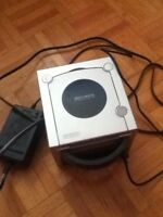 GAME CUBE + 4 JEUX
