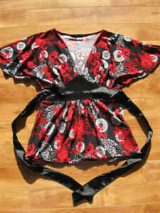Black & Red Top Size M