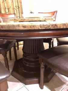 Gorgeous and solid casual dining table - moving sale Cambridge Kitchener Area image 2