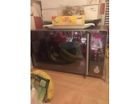 Kenwood microwave - 900w 25 litre URGENT ONLY PICK UP