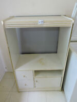 Meuble de télé (TV Cabinet):  35$