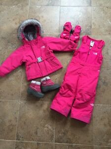 North Face snow suit 2T (girls pink)