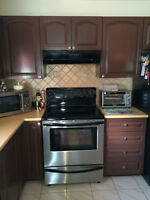 Cabinets & Dining Set / Armoires et table a manger, Negotiable
