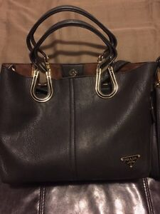 Prada purse replica