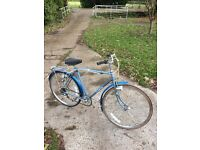 Vintage Raleigh Elswick gents bike. Retro men's bicycle.