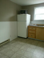 2 Bed Duplex $625 plus Utilities Available Now!