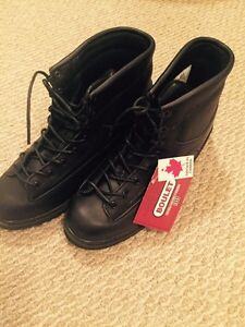 BRAND NEW MENS BOOTS SIZE 12- $20