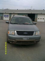 2005 Ford FreeStyle AWD MULTI-SEGMENT 6 passagers