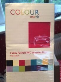 brand new venetian blind cerise 90 x 160cm -COLLECT FROM BROOKWOOD