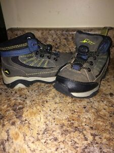 Size 7 hikers