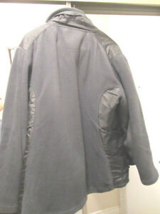 MONDETTA SPORT Jacket w/ inside pockets/ zipper outer pockets S North Shore Greater Vancouver Area image 5