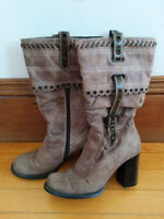 Woman's Light Brown Boots size 7