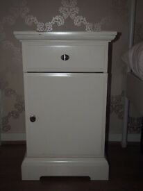 2x used white ikea bedside tables