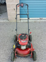 Honda Self Propelled 22 inch Lawnmower with 6.5 HP $399 OBO