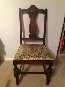 Beautiful Antique Dinning Table & Chairs Kitchener / Waterloo Kitchener Area image 7