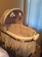 Bily 2-in-1 Bassinet - Practically brand new