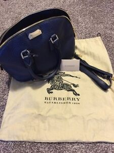 Authentic Burberry blue orchard bag!!!