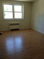 BEAUTIFUL 1 BEDROOM UNIT AVAILABLE NOW!!! ONLY $650!!!
