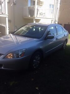Honda accord 2004 tres propre