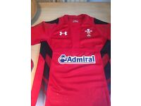 Wales rugby shirt small mans as new