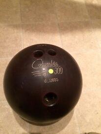 Columbia 300 yellow dot bowling ball with Bag