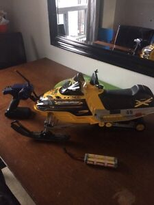 1/8 th scale brushed  modded skidoo  London Ontario image 1
