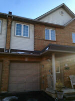 EXECUTIVE TOWNHOUSE FOR RENT IN HAMILTON NEAR MCMASTER/LOCKE ST!