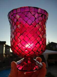 Red Mosaic Glass vase or decorative Container -Perfect Condition Kitchener / Waterloo Kitchener Area image 3