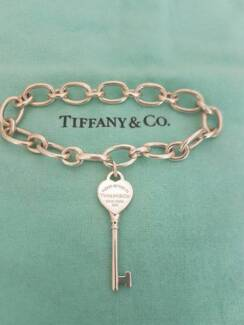 Tiffany & Co Oval Clasping Bracelet with Key