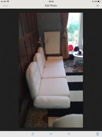 Set of Eight Large Seating Creme/ White Cushions