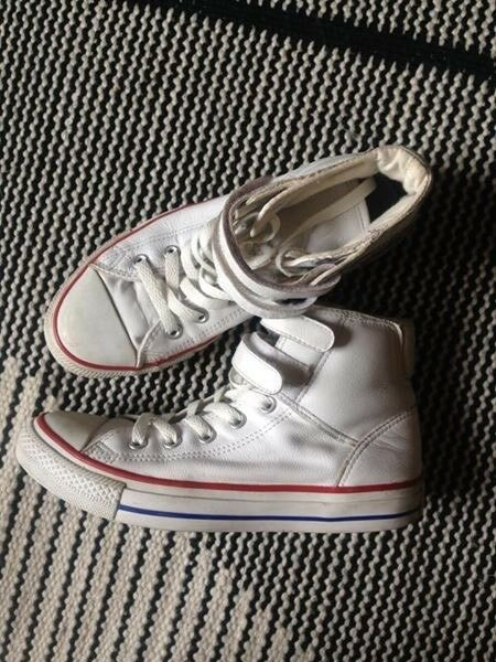Converse White Leather Chucks High Top Chuck Taylor Trainers size 6 bb15d382b
