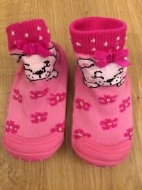 Cute baby socks with rubber sole size 5.5