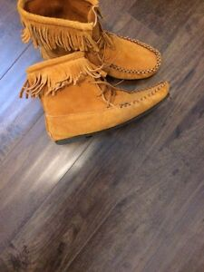 Moccasin Suede Boots!