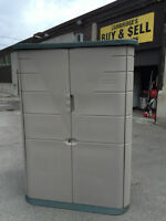 RUBBER MAID STORAGE SHED 30X25X72
