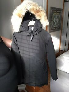 AUTHENTIC CANADA GOOSE JACKET XS