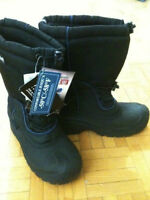 BRAND NEW WINTER SNOW BOOTS SIZE 9/10 BOTTES D'HIVER NEIGE NEUFS