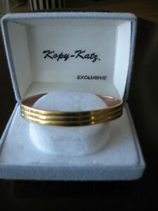 .LADIES SABONA CUFF-STYLE SOLID COPPER BRACELET..[SIGNED]