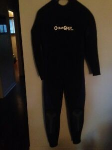 Men's cold water scuba diving wet suit and gear
